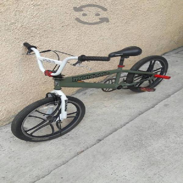 Bicicleta mongoose rebel