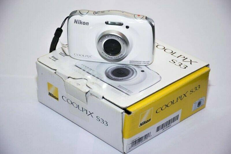 Camara Nikon COOLPIX S33 Resistente al Agua