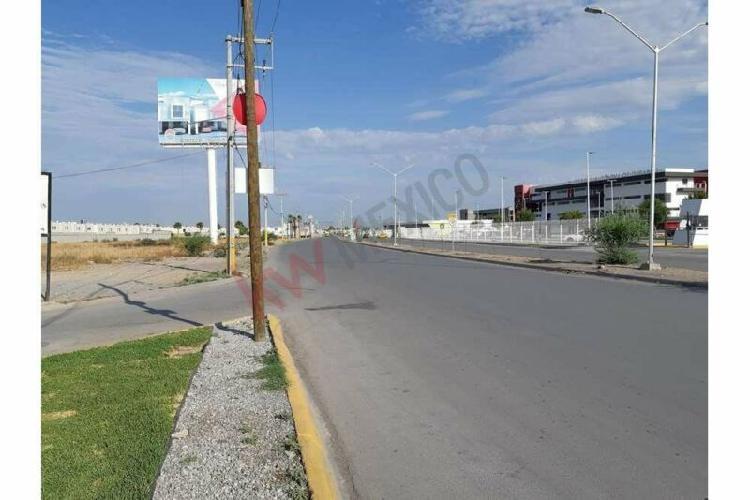 Terreno Comercial en renta Frente a Universidad Autónoma de