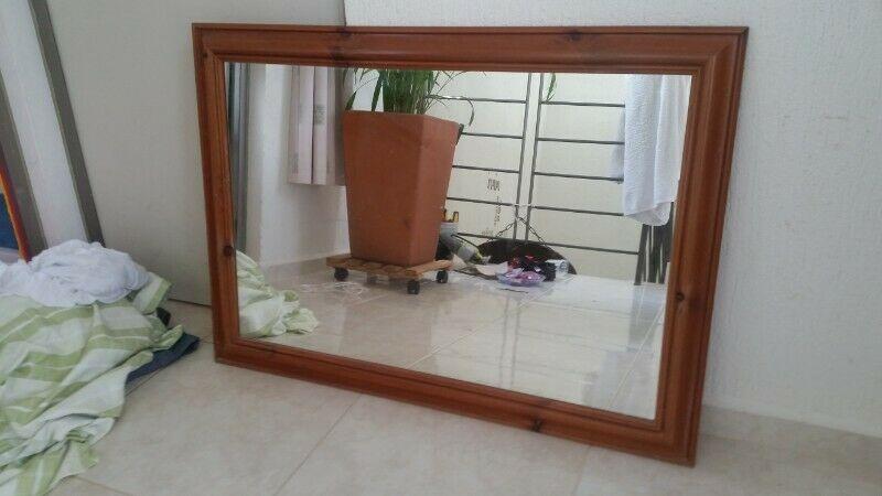 Espejo con marco de madera de Inglaterra