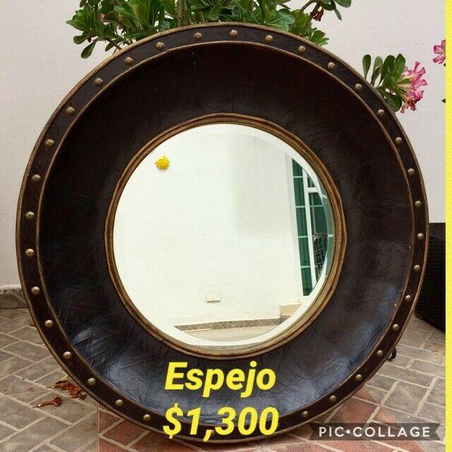 ESPEJO REDONDO CON MARCO DE PIEL