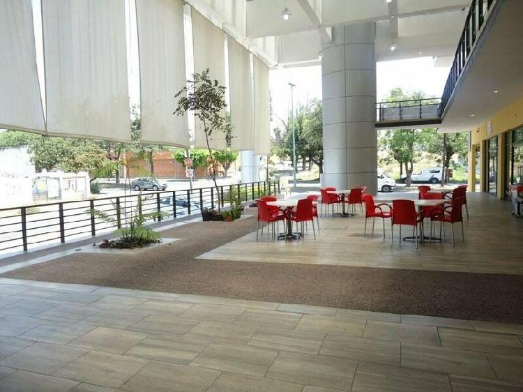 Locales en renta en Plaza comercial Blvd. Algeciras, col.