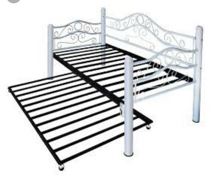 Sillón cama doble metal y madera
