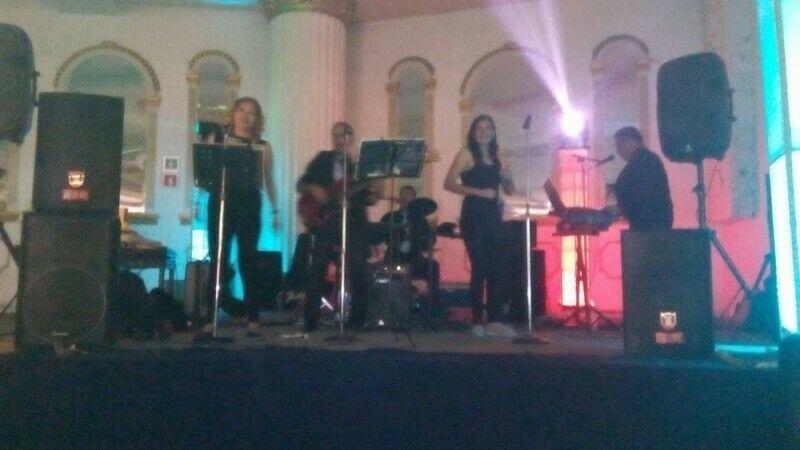 """Grupo musical""""Zona Azul Music"""" El éxito de tu evento!"""