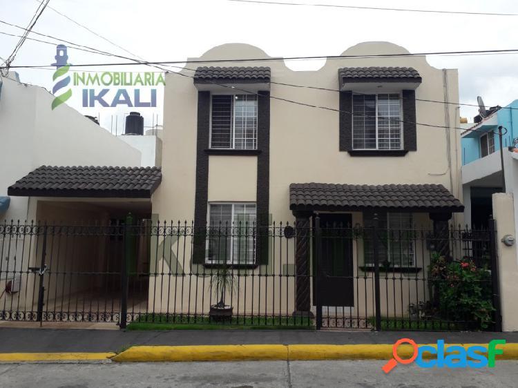 Renta Casa 3 recamaras Col. Bosques de Santa Elena Poza Rica