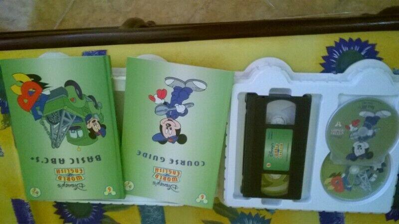Vendo Curso de ingles de Disney 10 módulos con discos cd y