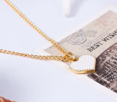 Collar De Corazon Simple En Color Blanco A Precio De Mayoreo