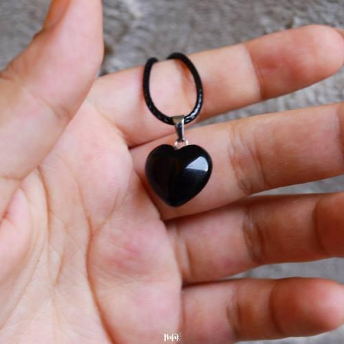 Collar Negro Dije Corazón Cuarzo Onix Caja Regalo