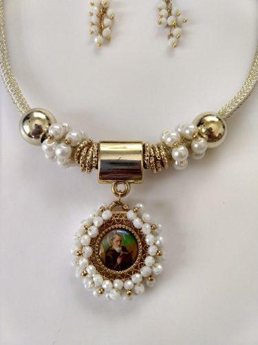 Juego De Collar Medalla Cristal Virgen San Benito San Judas