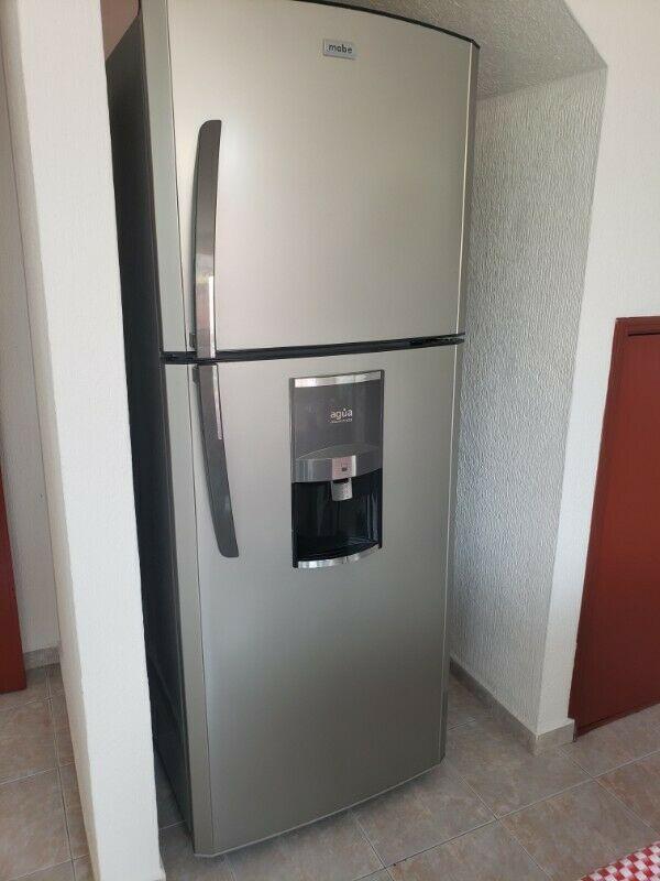 Vendo Refrigerador y Lavadora