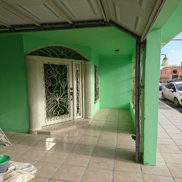 Casa de 4 recámaras en venta en Fraccionamiento Las