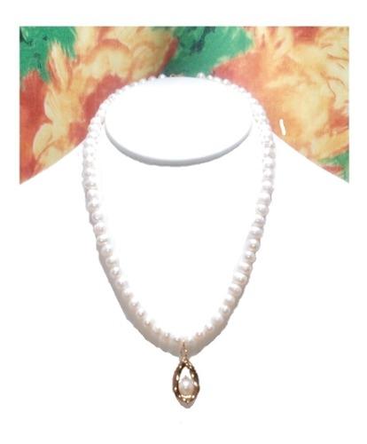 Collar De Perla Cultivada Elegante Dije Chapa De Oro A039