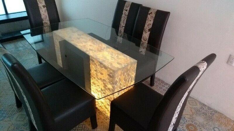 Comedor para 6 mesa de cristal con base de madera y cuarzo