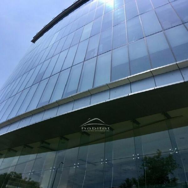 Oficina en Renta en Edificio Corporativo sobre Periférico