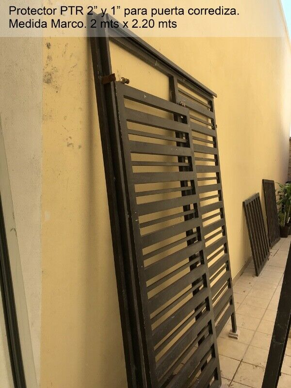 Protector para Puerta Corrediza 2 x 2.20 mts