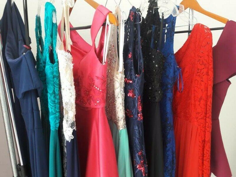 Remato Lote De 10 Vestidos De Noche Largos en $