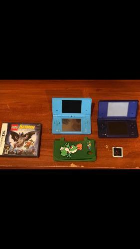2 Nintendos Dsi Azul Marino Y Otro Azul Claro. + Juegos