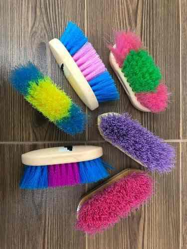 Cepillo Para Caballo De Colores De Madera