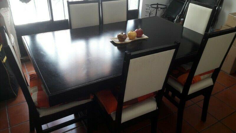 Comedor y mueble de televisión