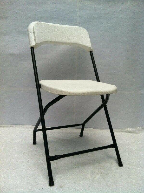 Sillas y mesas plegables para salones