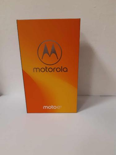 Smartphone Motorola Moto E5 Xt-1944-3 Telcel Lte