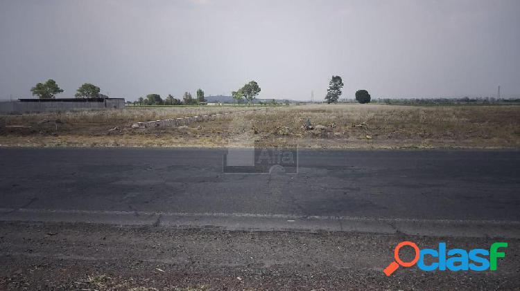 Terreno escriturado en venta a Pie de Carretera sobre la