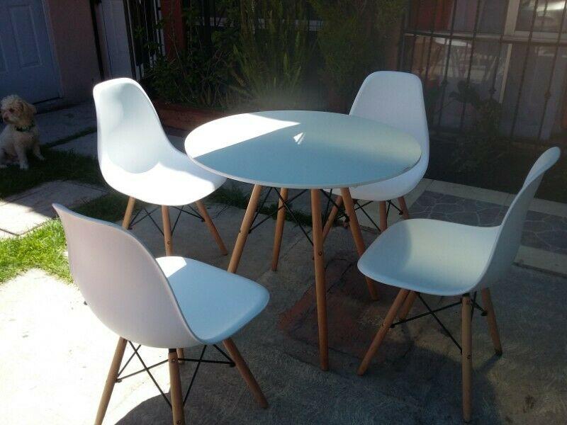 comedor y sillas minimalistas
