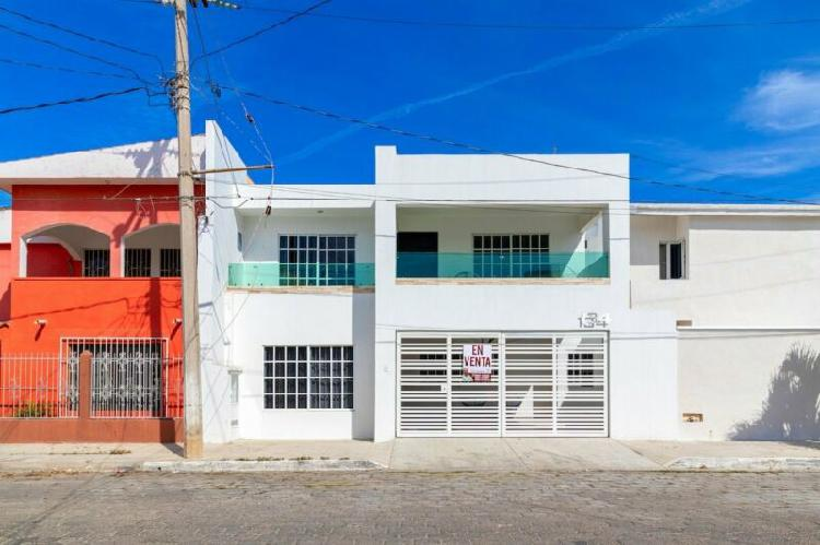 Casa en venta de 4 recámaras en Lomas de Mazatlan cerca de