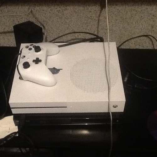 Cambio Xbox One S Y 3 Juegos Por La Ps4 Y El Gta5 Para Ps4