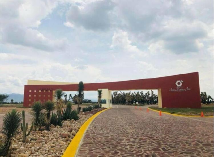 Terrenos en venta en Villa de Reyes a un costado del parque