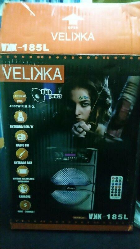 Bocina Bafle Bluetooth 8 Pulgadas Karaoke Vkk-185l Velikka