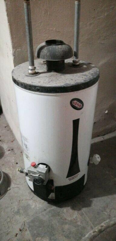 vendo boiler iusa de 80 litros en buenas condiciones, sin