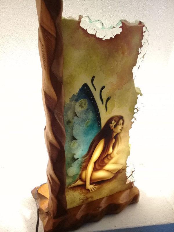 Lámpara de cristal pintada a mano marco de madera hada y