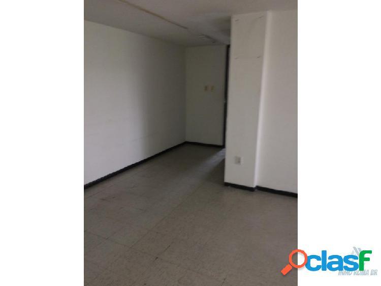 Oficina 90 m2 con 4 privados 1 Auto 2 Baños
