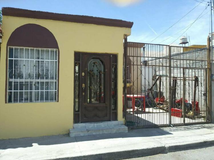 Venta de casa en Fraccionamiento El Torreon, de una planta