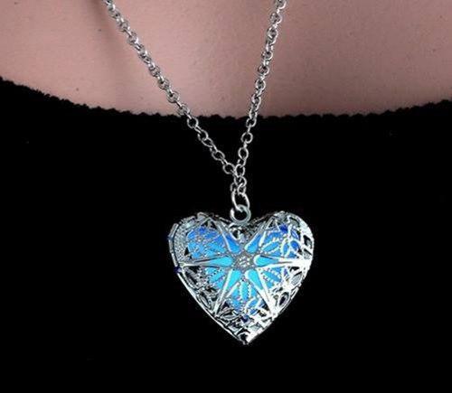 Collar Corazón Luminoso Brilla En La Oscuridad Romantico