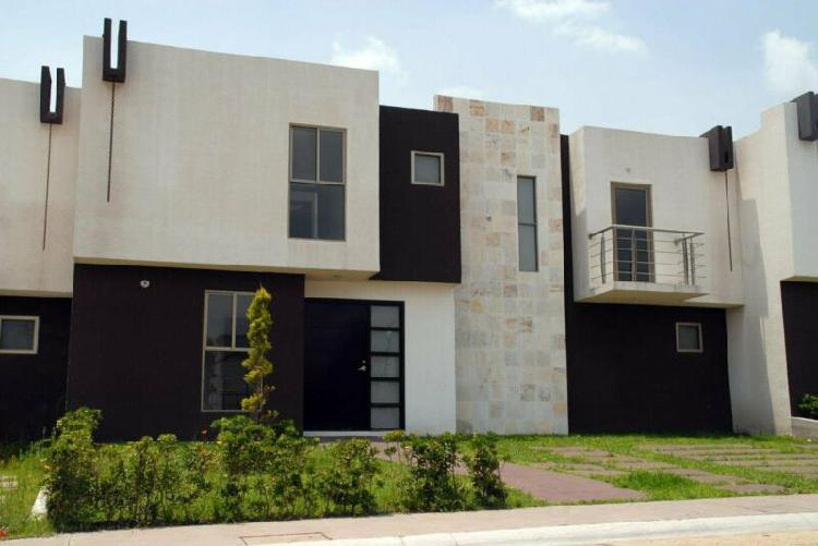 Excelente vivienda residencial 3 recámaras a 15 min. de la