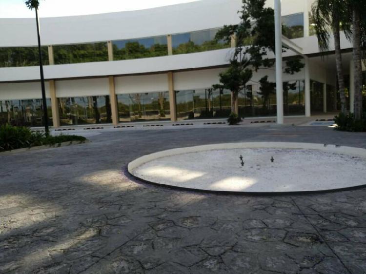RENTA DE LOCALES EN PLAZA COMERCIAL/OFICINA AV COLOSIO