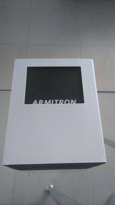 Reloj Armitron Modelo ADYL Nuevos/Originales.