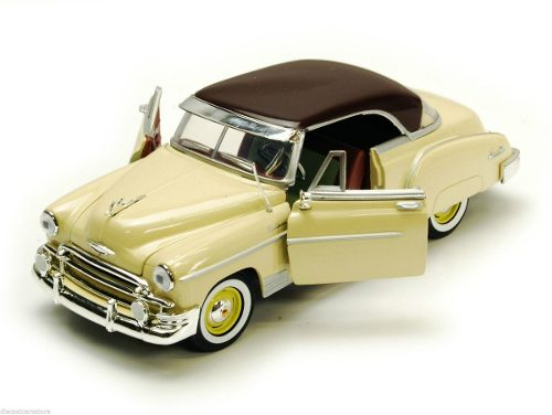 Motor Max  Chevrolet Bel Air Coupe Beige/borgoña