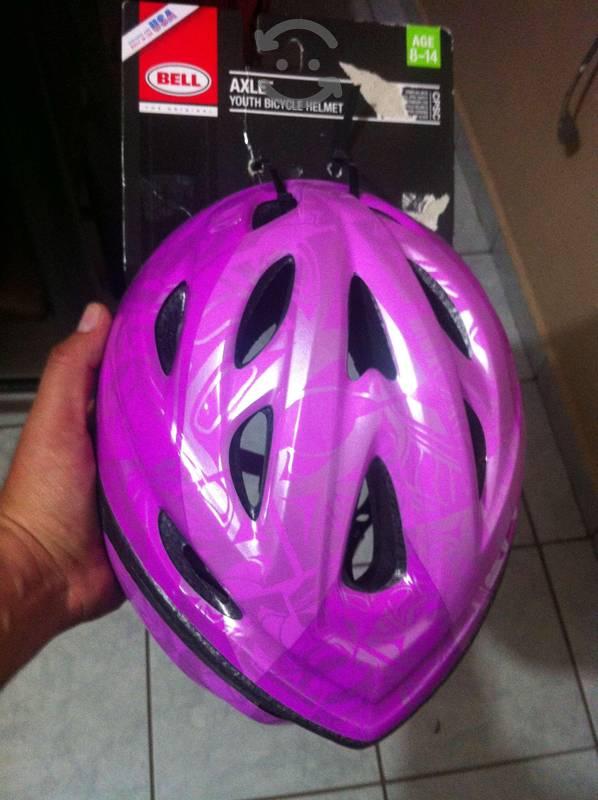 Casco para bicicleta nuevo marca BEEL