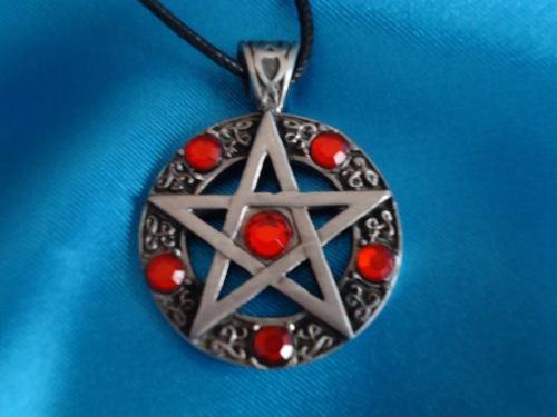 Dije Pentagrama Rojo Mawiluz Wicca Celta Bruja
