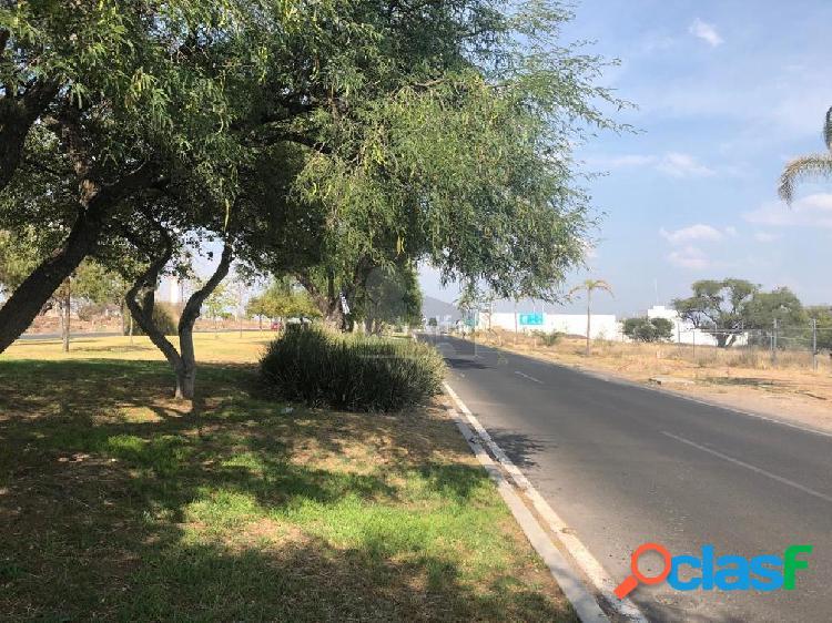 Terreno en venta con uso de suelo mixto en Querétaro
