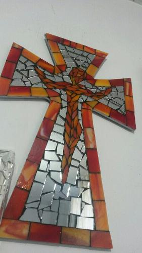 Cruz Con Cristo De Mosaico De Vidrio Importado 27 X 40.6cms