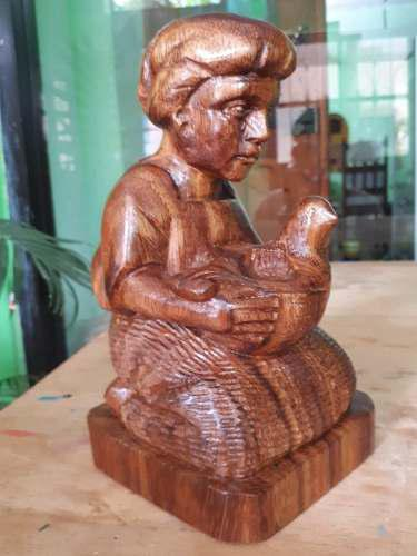 Escultura De Alfarera De Amatenango,tallado A Mano En Madera