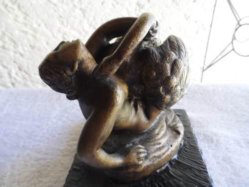 Escultura De Bronce Figura De Mujer Y Cisne Escutura Mujer