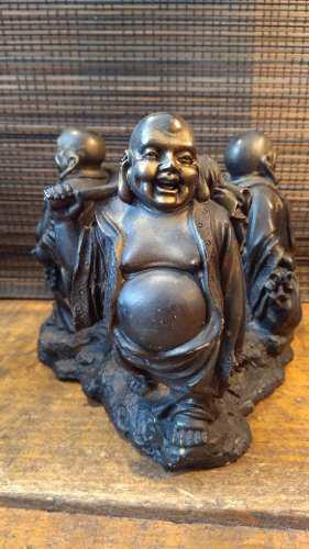 Escultura De Buda En Tres Facetas