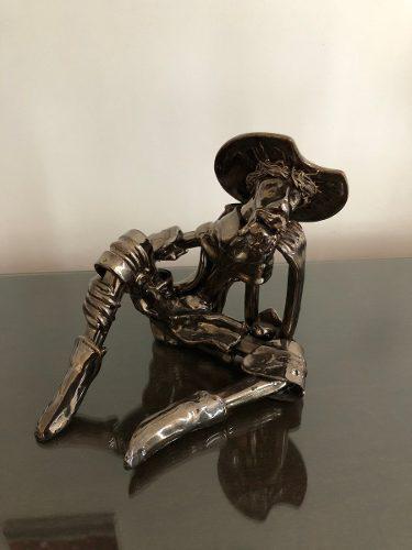 Escultura De Don Quijote De La Mancha En Cerámica