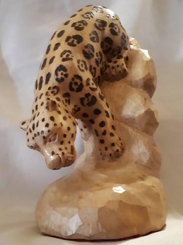 Escultura De Jaguar Tallado En Madera De Nanguipo 20 Cm
