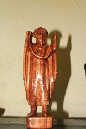Escultura De Parachico Tallado En Madera De Huanacaste